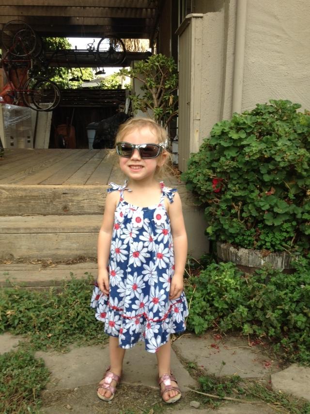 anaindress&sunglasses_2012